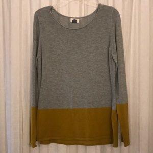 Gray and mustard sweater!